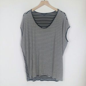 Tops - B.LE.U. woman black and white stripe high low top